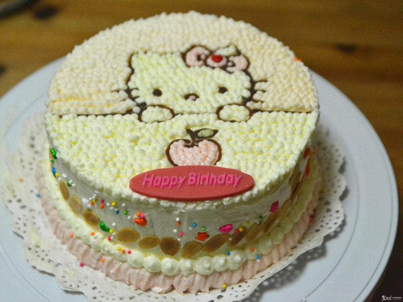 冻果粉调出的色彩—kitty猫奶油蛋糕