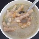 StephanieHui83花生煮鸡脚汤的做法