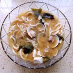 綄美笑靥日式豆腐海带味噌汤的做法