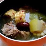 耳朵嫁给了真正的谎玉米排骨汤的做法