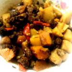 女王大王❁҉҉҉҉҉҉红烧土豆牛肉的做法
