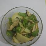 小厨杨青椒炒土豆片的做法