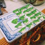 曹猫韭菜鸡蛋饺子的做法