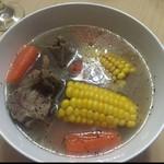 Hollis玉米排骨汤的做法