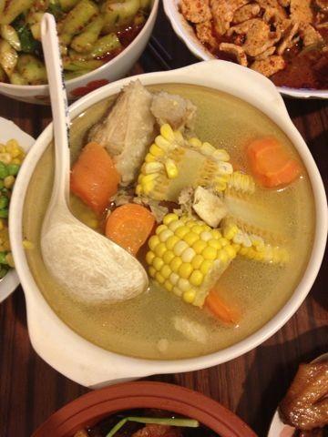 -胡萝卜玉米龙骨汤