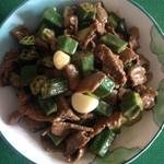 JTeddybear蒜香秋葵炒牛肉的做法