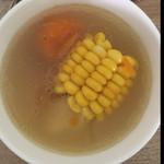 czysisi玉米红萝卜排骨汤的做法