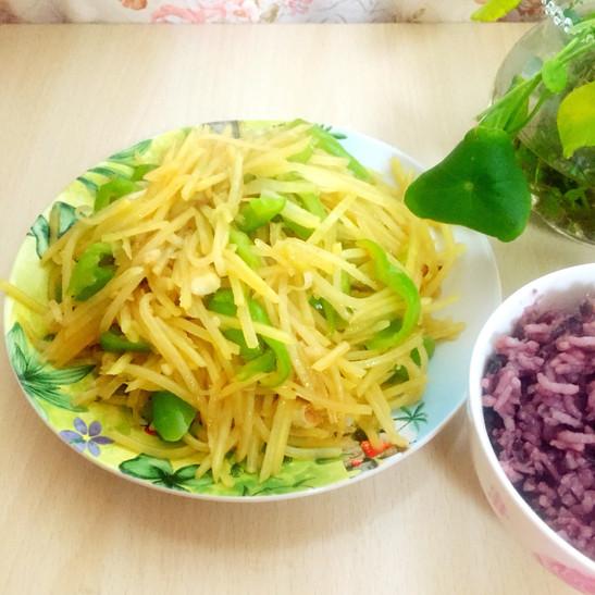 别矫情在青椒杰做过-大酱家常土豆丝韩国美食美食图片