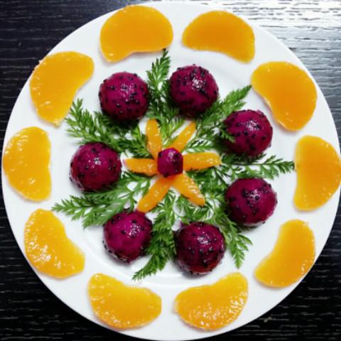 紫火龙果和桔子拼盘!