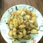 小小香洋葱炒土豆的做法