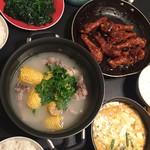 HWENR玉米排骨汤的做法