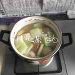 矮胖的茶爷砖头冬瓜汤的做法