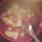 你有甲亢!胡萝卜苹果红枣糖水的做法