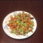 做饭人丰收满盘炒五丁的做法