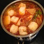 请叫我_小游韩式辣白菜豆腐汤的做法