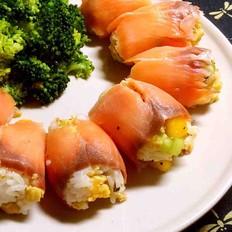烟熏三文鱼芒果鸡蛋饭团
