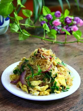 韭菜鸡蛋炒粉丝的做法