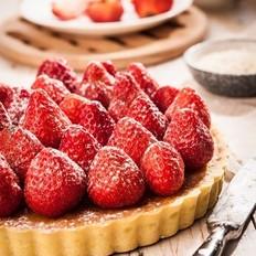 奶油杏仁草莓派