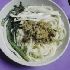 海鲜菇煮面