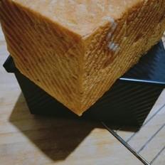 黑芝麻奶香吐司