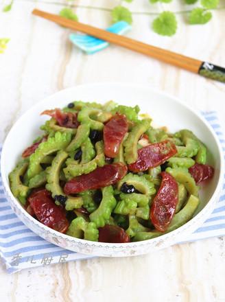 豆豉香肠炒苦瓜的做法