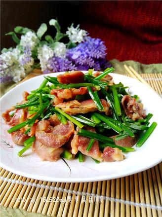 韭菜苔炒肉片的做法