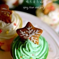 圣诞杯子蛋糕陪你度过欢乐时刻!