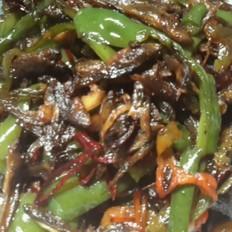 下饭菜青椒炒小干鱼的做法[图]