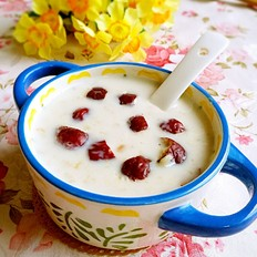 牛奶燕麦红枣粥