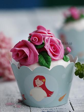 翻糖玫瑰纸杯蛋糕