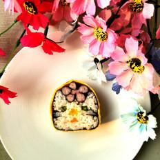 包头巾的小花猫寿司