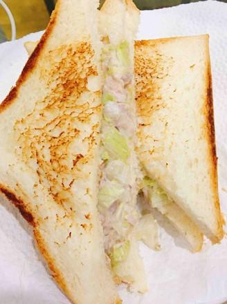 TUNA三明治的做法