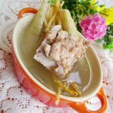 猪骨煲苓薯茅根汤的做法[图]
