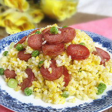 腊肠豌豆蛋炒饭