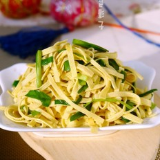 干豆腐炒韭菜