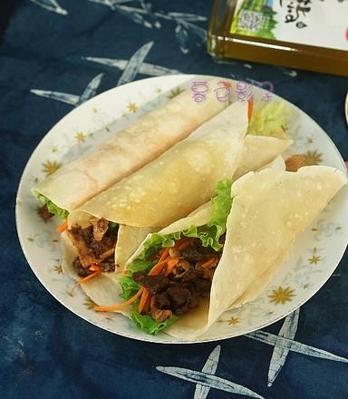 香菇酱卷春饼的做法