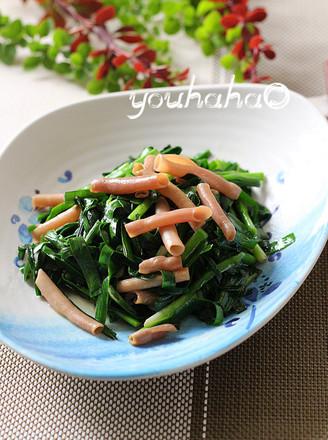韭菜炒海肠的做法