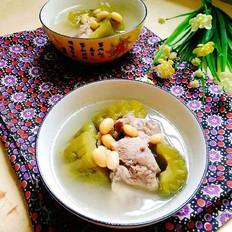 清热消暑~黄豆苦瓜排骨汤