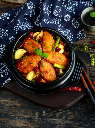 川味干锅鸡翅的做法