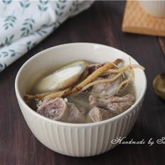 清炖骨头汤(中药材)