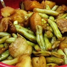 家常土豆炖豆角