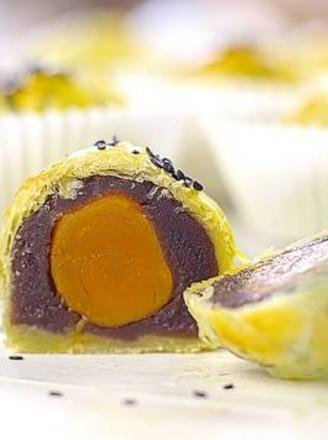 蛋挞皮变身蛋黄酥的做法