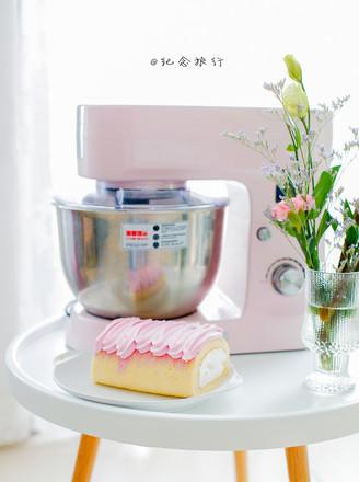 集美貌与美味于一身的火龙果蛋糕卷的做法