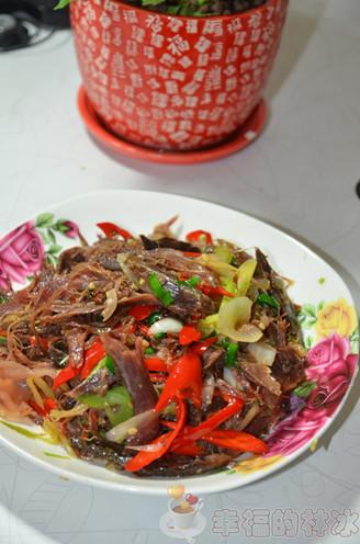 洋葱炒熏兔肉的做法