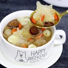 银耳莲子百合汤