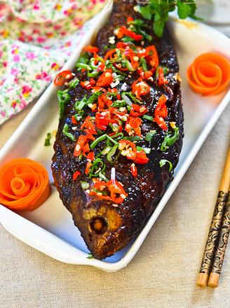 酸甜酥香的酥焖鲫鱼的做法