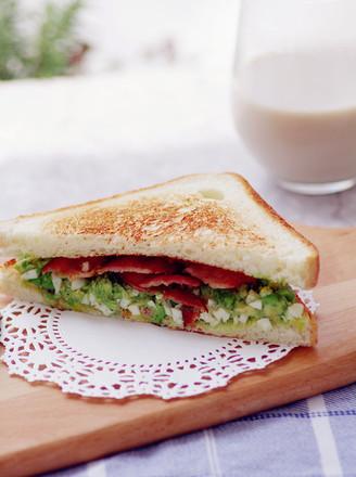 不用沙拉酱的牛油果培根三明治的做法
