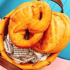非传统意义上的德国碱水面包——纽结面包(小苏打版)