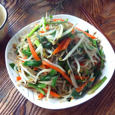 绿豆芽炒韭菜