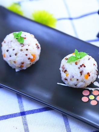 三文鱼藜麦饭团  宝宝辅食食谱的做法
